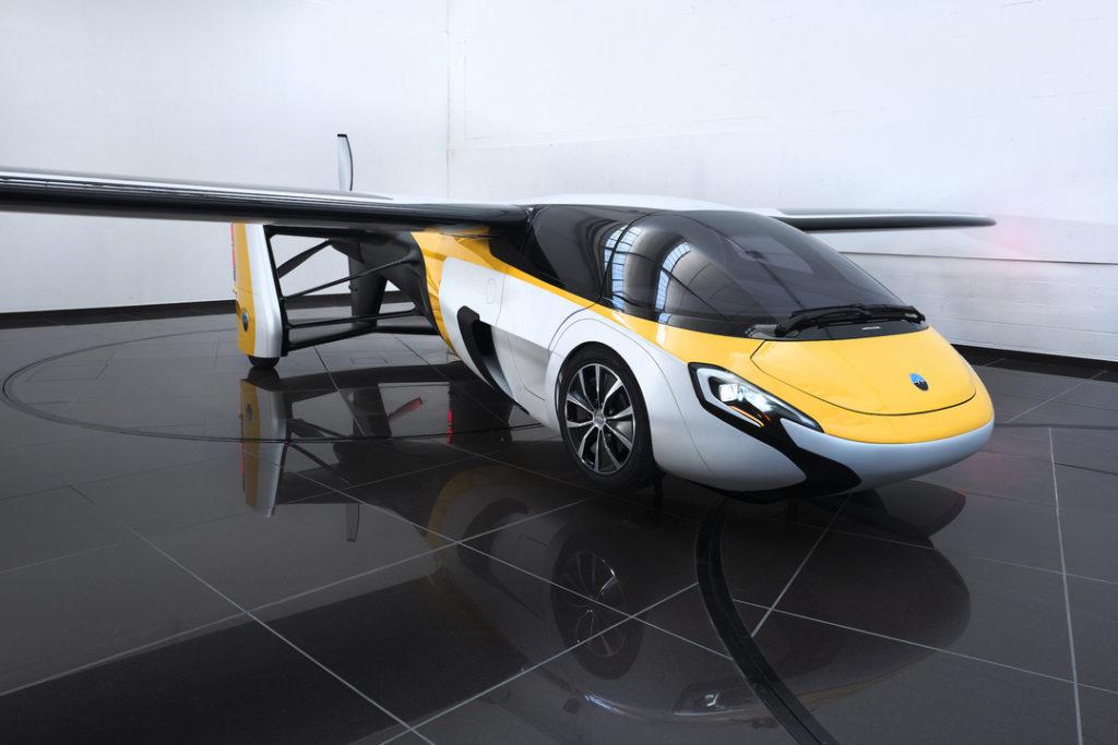 エアモービル社の空飛ぶ車
