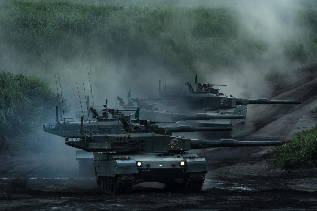 戦闘態勢の戦車