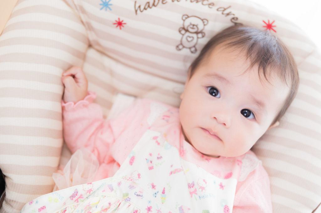 出生率低下の中の赤ちゃん