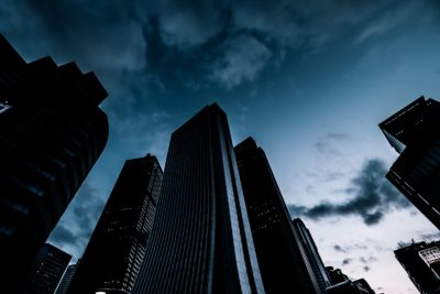 大企業のビル群