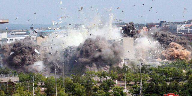 爆破の瞬間