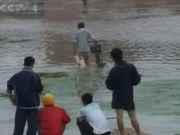 中国四川省の洪水と土砂崩れ