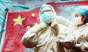 防護服の中国人