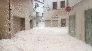 スペインカタルーニャ地方の「波の花」