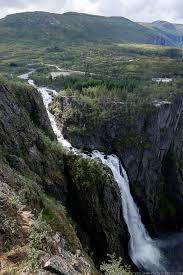 高さ182メートルの滝