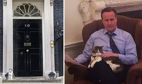 キャメロン首相とLarry