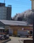 秋田港でイカ釣り漁船が爆発炎上