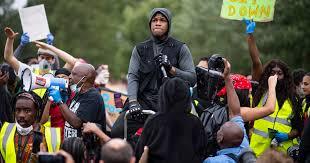 ジョン・ボイエガBlack Lives Matterを叫ぶ