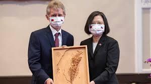 ビストルチル上院議長と蔡英文総統