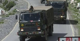 国境に展開する中国軍