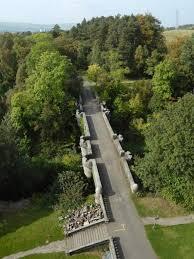 犬が飛び降りる橋オーヴァートン橋