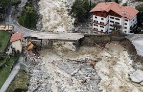 フランス、イタリアの国境で壊滅的な洪水