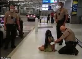 逮捕されたブリトニー・モハマディ