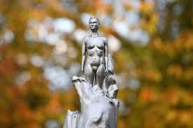 メアリ・ウルストンクラフトの記念碑