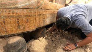 サッカラ遺跡ミイラ100以上発見。