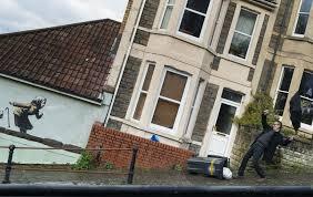 バンクシーの新作が描かれた家、一夜にして資産価値が13倍