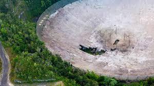 アレシボ天文台の大型の電波望遠鏡が崩壊