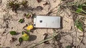 上空300メートルから落ちたiPhone 無事に持ち主へ。