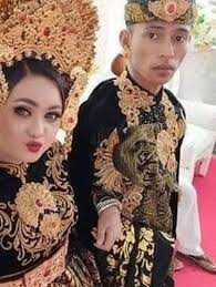 結婚式に現れた元恋人に花嫁、動揺して失神