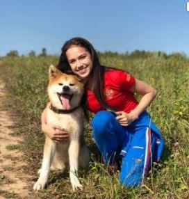 ザギトワと秋田犬マサル