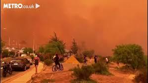 南米チリで大規模な火災により空がオレンジ色
