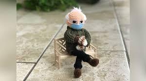 かぎ針編みのバーニーサンダース人形