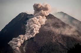 インドネシアのメラピ火山が新たな噴火