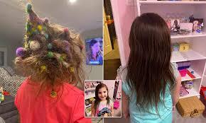 髪に大量のおもちゃが絡まった6歳女児