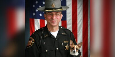 世界最小の警察犬、パートナーだった保安官をがんで亡くし数時間後に天国へ