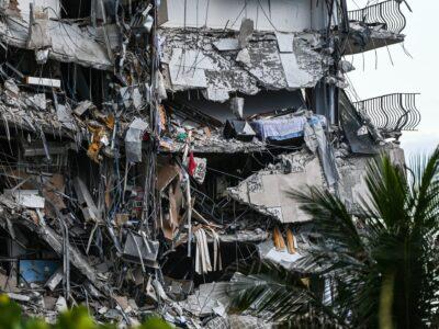 マイアミ近郊で集合住宅の一部崩落