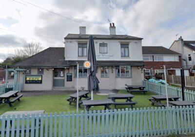 英スタフォードシャー州キングスウィンフォードにあるパブ「Mount Pleasant Pub」