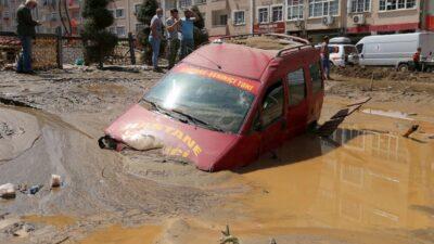 アンカラ、トルコ - トルコ北部の洪水や土砂崩れ